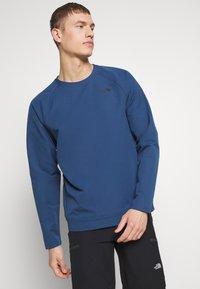The North Face - MENS TEKNO RIDGE CREW - Bluza z polaru - blue wing teal - 0