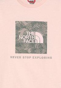 The North Face - BOX TEE  - Triko spotiskem - pink salt - 3