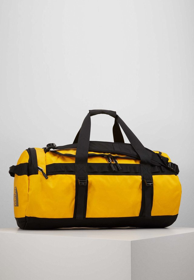 BASE CAMP DUFFEL M - Sportväska - summit gold/black