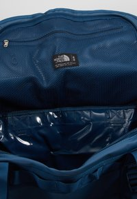 The North Face - BASE CAMP DUFFEL M - Sports bag - blue wing teal/urban navy - 5
