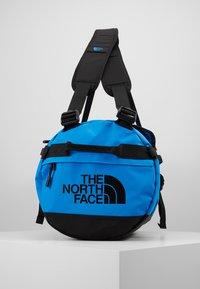 The North Face - BASE CAMP DUFFEL S  - Sports bag - clear lake blue/black - 4