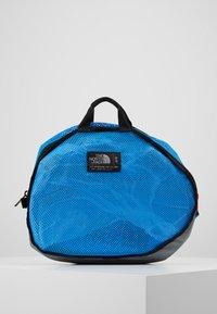 The North Face - BASE CAMP DUFFEL S  - Sports bag - clear lake blue/black - 7