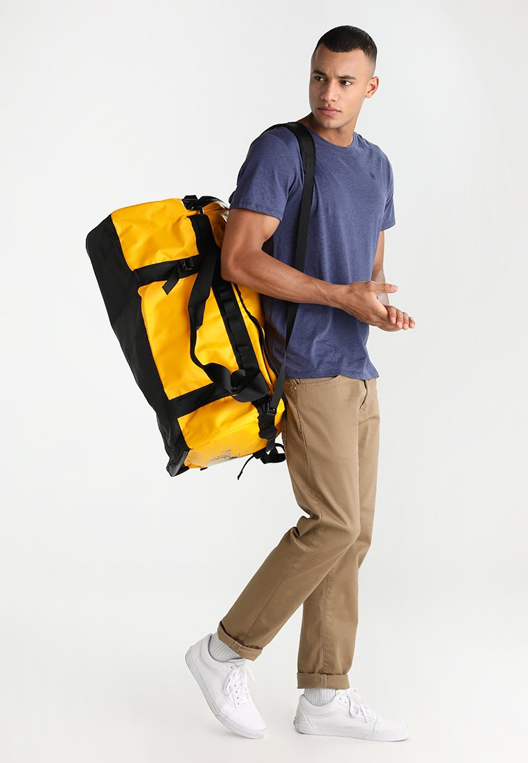 The North Face - BASE CAMP DUFFEL L - Reistas - yellow