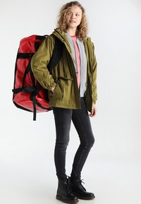 The North Face - BASE CAMP DUFFEL L - Holdall - red - 9