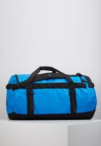 The North Face - BASE CAMP DUFFEL L - Sac de voyage - clear lake blue/black - 3