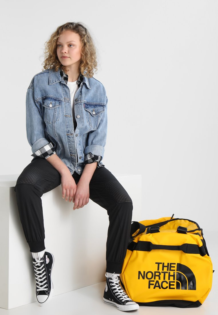 The North Face - BASE CAMP DUFFEL XL - Reistas - yellow