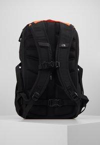 The North Face - BOREALIS - Reppu - orange/black - 3