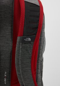 The North Face - VAULT 26,5L - Ryggsekk - dark grey heather/cardinal red - 5