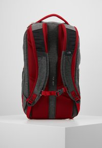 The North Face - VAULT 26,5L - Ryggsekk - dark grey heather/cardinal red - 2