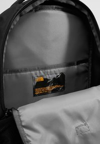 The North Face - VAULT 26,5L - Rugzak - black - 4