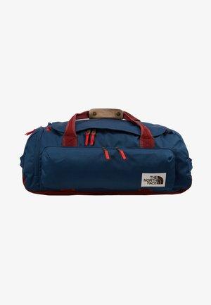 BERKELEY  - Sportovní taška - blue/red