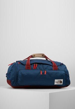 BERKELEY  - Sporttas - blue/red