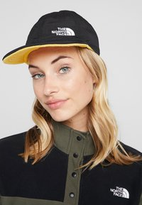 The North Face - REVERSIBLE NORM HAT - Kšiltovka - black/yellow - 1