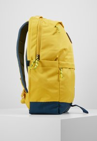 The North Face - DAYPACK - Reppu - yellow/blue/teal - 4