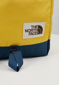 The North Face - DAYPACK - Reppu - yellow/blue/teal - 2