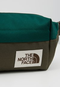 The North Face - LUMBAR PACK - Saszetka nerka - night green/new taupe green - 7