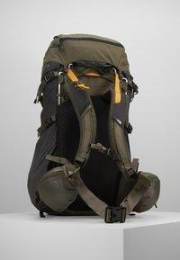 The North Face - TERRA 55 - Mochila de trekking - dark grey heather/new taupe green - 2