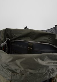 The North Face - TERRA 55 - Mochila de trekking - dark grey heather/new taupe green - 4