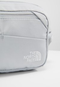 The North Face - BOZER HIP PACK UNISEX - Across body bag - high rise grey/white - 6