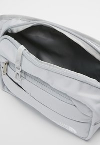 The North Face - BOZER HIP PACK UNISEX - Across body bag - high rise grey/white - 4