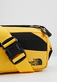 The North Face - BOZER HIP PACK - Bum bag - yellow/black - 7