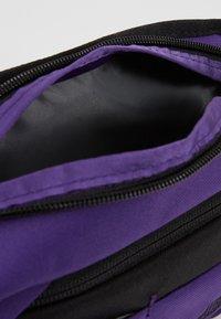 The North Face - BOZER HIP PACK - Heuptas - hero purple/black - 4