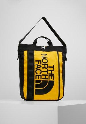 BASE CAMP TOTE - Mochila - yellow