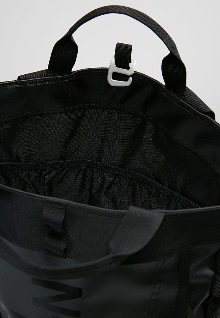 BASE CAMP TOTE Zaino black