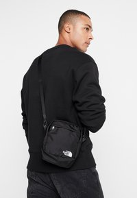 The North Face - SHOULDER BAG - Axelremsväska - black/white - 1