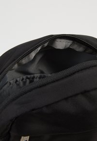 The North Face - SHOULDER BAG - Axelremsväska - black/white - 4