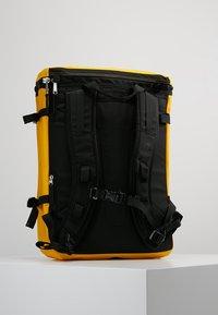 The North Face - BASE CAMP FUSEBOX - Reppu - yellow - 2