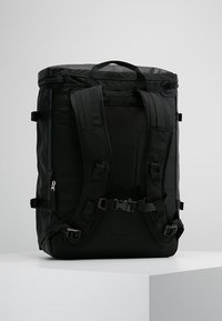 The North Face - BASE CAMP FUSEBOX - Ryggsäck - black - 2