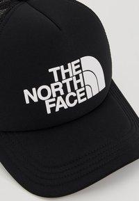 The North Face - LOGO TRUCKER - Caps - black/white - 5