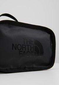 The North Face - EXPLORE  - Ledvinka - black - 8