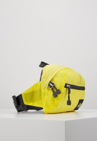 The North Face - FLYWEIGHT LUMBAR - Bum bag - lemon - 4