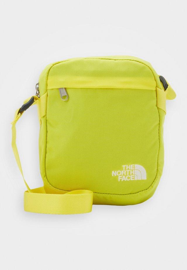CONVERTIBLE SHOULDER BAG - Bandolera - lemon/white