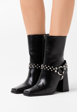 BOTTINES AVEC BIJOUX - Biker-/cowboynilkkurit - black