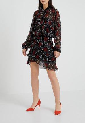 A-line skirt - red/black/white