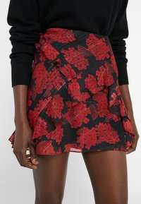 The Kooples - JUPE - A-snit nederdel/ A-formede nederdele - red/black - 4