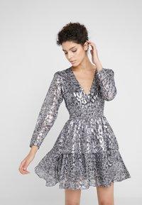 The Kooples - ROBE - Cocktailkleid/festliches Kleid - silver - 0