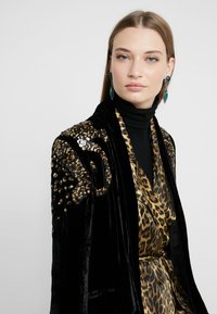 The Kooples - KIMONO - Blazer - black/gold - 5