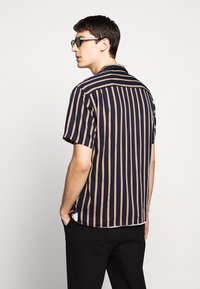 The Kooples - CHEMISE STRIPED - Skjorter - dark navy/camel - 2