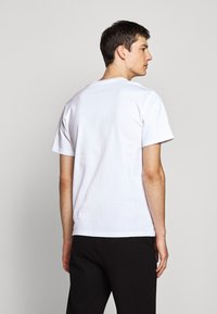 The Kooples - CHEST LOGO - T-shirts print - white - 2