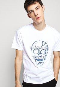 The Kooples - SKULL - T-Shirt print - white - 3