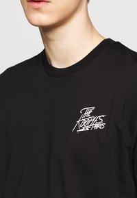 The Kooples - CHEST LOGO WRITING - T-shirt print - black - 5