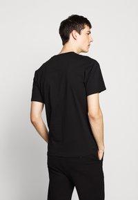 The Kooples - CHEST LOGO WRITING - T-shirt print - black - 2