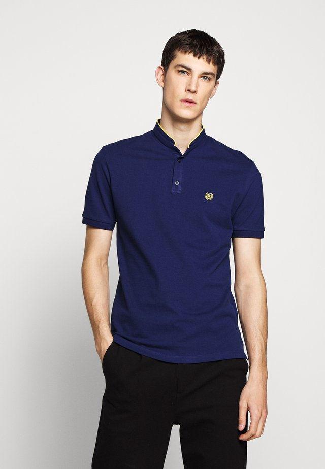 Basic T-shirt - officer navy/dandelion yellow
