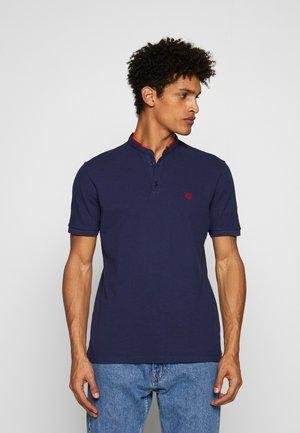 Polo shirt - night blue/king red