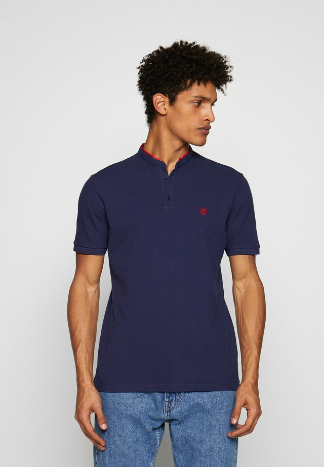 Polo shirt - night blue/king red