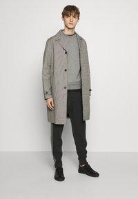The Kooples - TARTAN COAT - Classic coat - black/ecru - 1